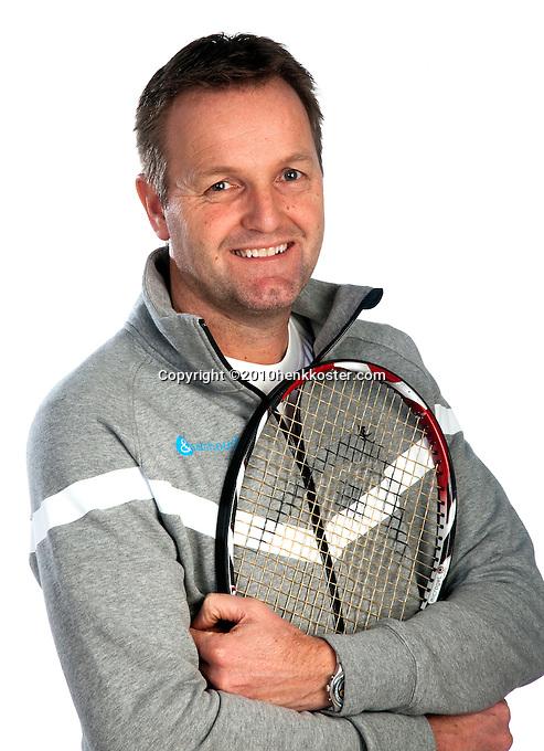 19-1-10, Tennis, Delft, Fotostudio Henk Koster, Coach Tjerk Bogtstra