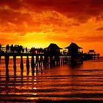 USA, Florida, Naples: pier at sunset | USA, Florida, Naples: Pier im Sonnenuntergang