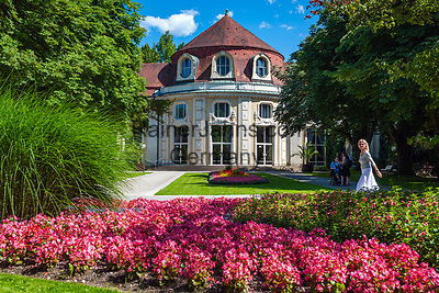 Deutschland, Bayern, Berchtesgadener Land, Bad Reichenhall: Konzertrotunde im Koeniglichen Kurpark   Germany, Bavaria, Upper Bavaria, Berchtesgadener Land, Bad Reichenhall: Concert Rotunda in Royal Spa Gardens