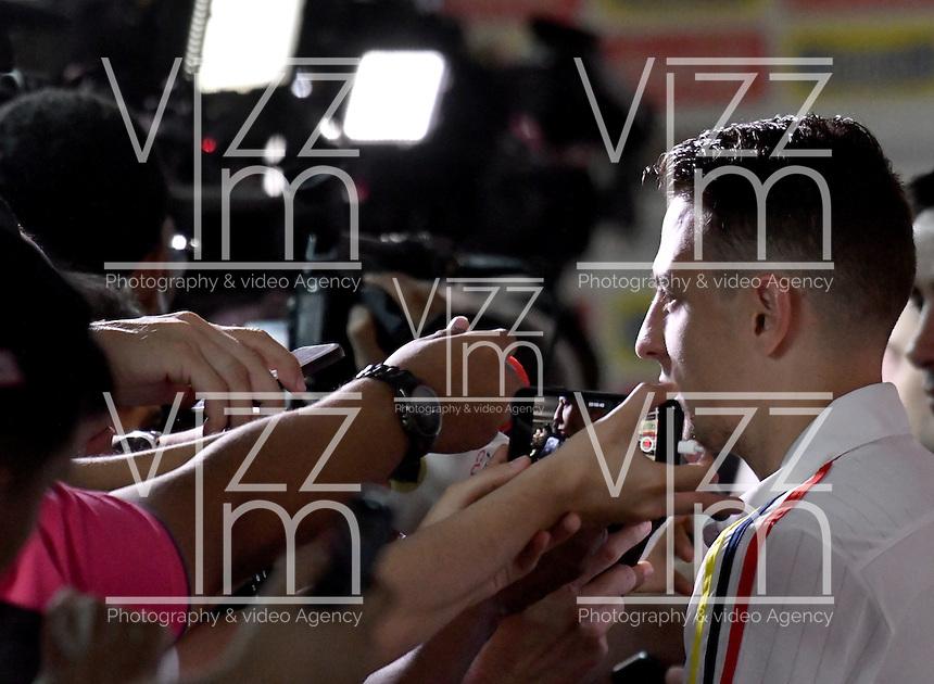 BARRANQUILLA - COLOMBIA - 08-11-2016: Santiago Arias, jugador de la Selección Colombia durante rueda de prensa en el estadio Metropolitano Roberto Melendez. El Seleccionado colombiano se prepara en Barranquilla para el partido contra el seleccionado de Chile el 10 de noviembre, partido clasificatorio a la Copa Mundial de la FIFA Rusia 2018 / Santiago Arias, player of Colombia Team during a press conference in the Metropolitan Roberto Melendez Stadium. Colombia team prepares in Barranquilla for the match against the national team of Chile on November 10, qualifying for the FIFA World Cup Russia 2018. Photo: VizzorImage / Luis Ramirez/ Staff.