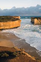 Lorch Ard gorge, rots inham, vormt een kleine baai en was ooit het decor van een scheepsramp, kust Zuid West Victoira - Australi'