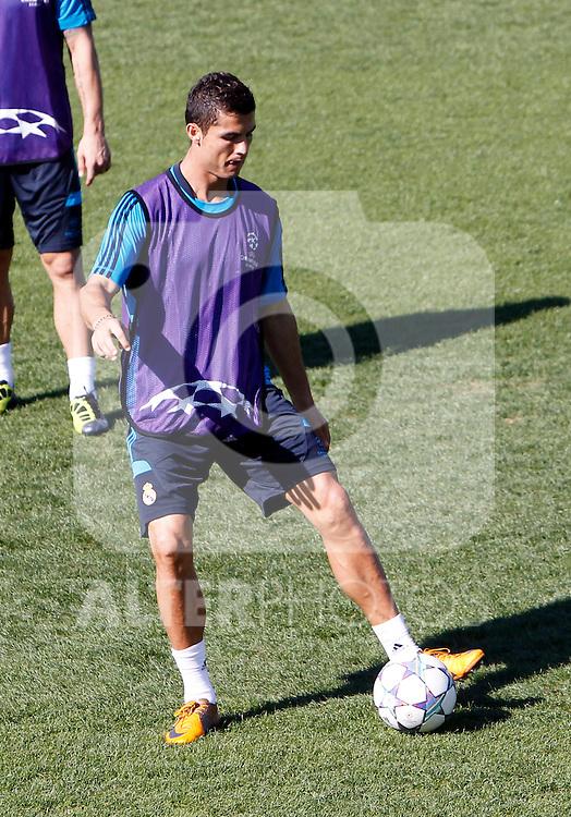 Madrid (13/09/2011).- Ciudad Deportiva de Valdebebas.Entrenamiento del Real Madrid c.f. .Cristiano Ronaldo...Photo: Alex Cid-Fuentes / ALFAQUI....