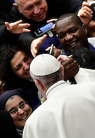Papa Francesco saluta i fedeli al termine di un'udienza speciale per i membri della Conferenza Episcopale italiana, CEI, in Aula Paolo Vi. Città del Vaticano, 5 gennaio 2017.<br /> Pope Francis greets faithful at the and of a special audience with members of the Italian Episcopal Conference, CEI, in Paul VI Hall at the Vatican, on January 5, 2017.<br /> UPDATE IMAGES PRESS/Isabella Bonotto<br /> <br /> STRICTLY ONLY FOR EDITORIAL USE