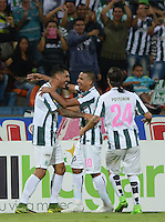 MEDELLÍN -COLOMBIA-28-10-2015. Jugadores de Nacional celebran el gol anotado por Jefferson Duque a Alianza Petrolera du durante partido por la fecha 17 de la Liga Aguila II 2015 jugado en el estadio Atanasio Girardot de la ciudad de Medellín./ Atletico Nacional Players celebrate a goal scored by Jefferson Duque to Alianza Petrolera during the match for the  date 17 of the Aguila League II 2015 at Atanasio Girardot stadium in Medellin city. Photo: VizzorImage/León Monsalve/STR