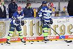 Garret Pruden (Nr.27 - ERC Ingolstadt) und Daniel Pietta (Nr.86 - ERC Ingolstadt) während dem WarmUp beim Spiel in der Gruppe Sued der DEL, Adler Mannheim (blau) - ERC Ingolstadt (weiss).<br /> <br /> Foto © PIX-Sportfotos *** Foto ist honorarpflichtig! *** Auf Anfrage in hoeherer Qualitaet/Aufloesung. Belegexemplar erbeten. Veroeffentlichung ausschliesslich fuer journalistisch-publizistische Zwecke. For editorial use only.