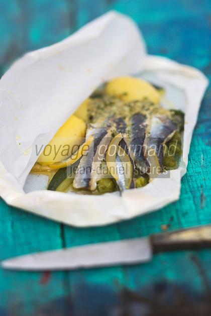 Europe/France/Pays de la Loire/44/Loire Atlantique/Presqu'île Guérandaise/La Turballe:  Papillote de sardines, salicornes et citrons confits, recette de Xavier Chevallier, du restaurant:  Le Terminus // France, Loire Atlantique, Guerande Peninsula, La Turballe: Papillote sardines, samphire and preserved lemons, recipe Xavier Chevallier, restaurant: The Terminus
