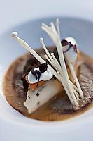 Europe/France/Rhone-Alpes/73/Savoie/Courchevel:  Crémeux de champignons avec quenelle de volaille aux morilles recette de l' Hôtel-Restaurant:  Le Manali à Courchevel 1650