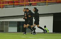 BOGOTA -COLOMBIA, 11-10-2020:Referes calientan previo al partido entre Millonarios  y Agulas Doradas por la fecha 13 de la Liga Águila I 2018 jugado en el estadio Nemes Camacho El Campin de la ciudad de Bogota. / Referees warm up prior a match for the for the date 13 as part of BetPlay DIMAYOR League 2020 between Millonarios   and Agulas Doradas played at Nemesio Camacho El Campin stadium in Bogota. Photo: VizzorImage/ Daniel Garzon / Contribuidor