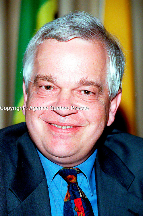 IMontreal, June 1st, 1999 File Photo of<br /> Jonh McCallum ;  Senior Vice-President and Chief Economist , Royal Bank of Canada, whos was one of the guest speakers at the 5th `` Conference of Montreal `` on Economy Globalization.<br /> <br /> Photo by Pierre Roussel, (c) 1999