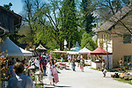 Deutschland, Bayern, Oberbayern, Chiemgau, Amerang: Gartenfest auf Schloss Amerang | Germany, Upper Bavaria, Chiemgau, Amerang: Garden festvial at Amerang Castle