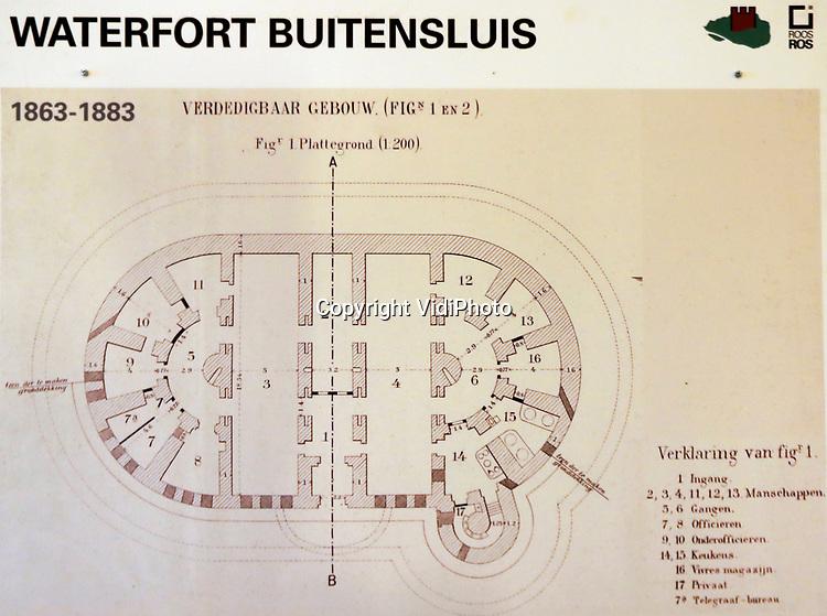 Foto: VidiPhoto<br /> <br /> NUMANSDORP – De Stichting Fort Buitensluis heeft ambitieuze plannen om het verdedigingswerk uit de 18e eeuw ingrijpend te renoveren en er een toeritische attractie van te maken. De kosten daarvoor bedragen zo'n 4 miljoen euro. Fort Buitensluis ligt aan het Hollands Diep in Numansdorp, gemeente Hoeksche Waard. Foto: De indeling van het hoofdgebouw.