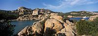Europe/France/2A/Corse du Sud/ Murtoli: Domaine de Murtoli dans la vallée de l'Ortolo  sur le Golfe de Roccapina- Les anciennes  bergeries ont étées transformées en maison d'hôtes [Non destiné à un usage publicitaire - Not intended for an advertising use]