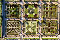 France, Indre-et-Loire (37), Villandry, jardins et château de Villandry, le potager (vue aérienne)