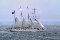 - the cruise sail ship Star Clipper navigating in Tyrrhenian sea....- il veliero da crociera Star Clipper in navigazione nel mar Tirreno