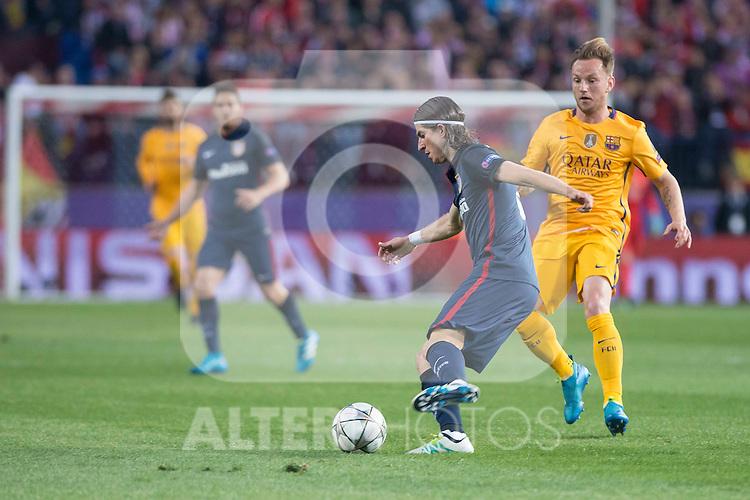 Atletico de Madrid's Filipe Luis and FC Barcelona Ivan  Rakitic during Champions League 2015/2016 Quarter-Finals 2nd leg match. April 13, 2016. (ALTERPHOTOS/BorjaB.Hojas)