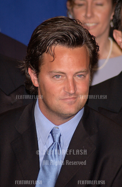 Friends star MATTHEW PERRY at the 28th Annual People's Choice Awards in Pasadena..13JAN2002..© Paul Smith/Featureflash