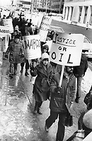 Pickets protest outside French consulate in Toronto after release of Palestinian terrorist Abu Daoud.<br /> <br /> Photo : Boris Spremo - Toronto Star archives - AQP