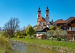 Deutschland, Bayern, Priental, Aschau im Chiemgau: kath. Pfarrkirche Darstellung des Herrn | Germany, Bavaria, Aschau im Chiemgau: parish church