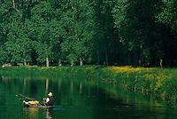 Europe/France/Poitou-Charentes/79/Deux-Sèvres/Env Coulon: Marais poitevin et pêcheur<br /> PHOTO D'ARCHIVES // ARCHIVAL IMAGES<br /> FRANCE 1990