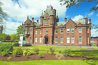 The Municipal Buildings and Peter Denny statue, Dumbarton