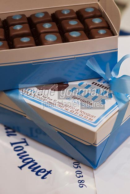 Europe/France/Nord-Pas-de-Calais/Pas-de-Calais/62/Le Touquet: Mini Chats Bleus -  Chocolats du Chocolatier: Le Chat Bleu //  France, Pas de Calais, Le Touquet, Mini Cats Blues, Chocolates Chocolatier, The Blue Cat