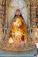 "Handgesticketer Seidnumhang ""Triumpph des Christentums"" in der Kirche San Francisco der  Bruderschaft Paso Azul bei  der Semana Santa (Karwoche) in Lorca,  Provinz Murcia, Spanien, Europa"