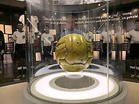 Weltmeisterelf von 1954 mit dem original Spielball des Finales/Wunder von Bern in der Ausstellung des Deutschen Fußballmuseum in Dortmund  - 08.02.2019: Deutsches Fußballmuseum in Dortmund<br /> DISCLAIMER: DFL regulations prohibit any use of photographs as image sequences and/or quasi-video.