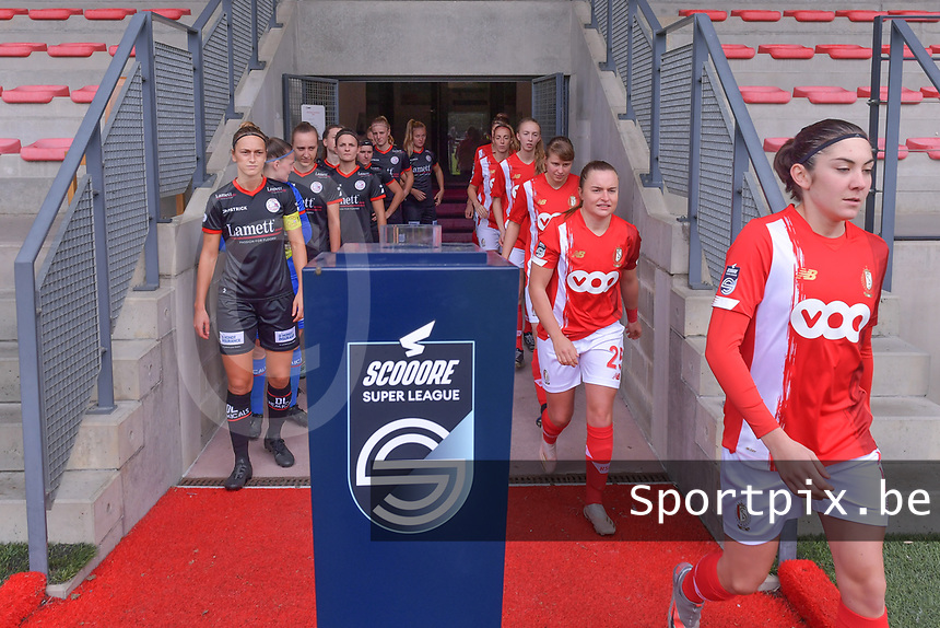 Players entering the field pictured during a female soccer game between Standard Femina de Liege and Dames SV Zulte Waregem on the fifth matchday of the 2020 - 2021 season of Belgian Scooore Womens Super League , saturday 17 th of October 2020  in Angleur , Belgium . PHOTO SPORTPIX.BE | SPP | STIJN AUDOOREN
