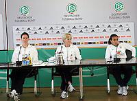 Birgit Prinz, Bundestrainerin Silvia Neid (D) und Marta (BRA)<br /> PK zum Laenderspiel Deutschland vs. Brasilien *** Local Caption *** Foto ist honorarpflichtig! zzgl. gesetzl. MwSt. Auf Anfrage in hoeherer Qualitaet/Aufloesung. Belegexemplar an: Marc Schueler, Am Ziegelfalltor 4, 64625 Bensheim, Tel. +49 (0) 151 11 65 49 88, www.gameday-mediaservices.de. Email: marc.schueler@gameday-mediaservices.de, Bankverbindung: Volksbank Bergstrasse, Kto.: 151297, BLZ: 50960101