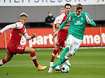17.10.2020, Schwarzwald Stadion, Freiburg, GER, 1.FBL, SC Freiburg vs SV Werder Bremen<br /> <br /> im Bild / picture shows<br /> Vincenzo Grifo (Freiburg), Nick Woltemade (Bremen)<br /> <br /> Foto © nordphoto / Bratic<br /> <br /> DFL REGULATIONS PROHIBIT ANY USE OF PHOTOGRAPHS AS IMAGE SEQUENCES AND/OR QUASI-VIDEO.