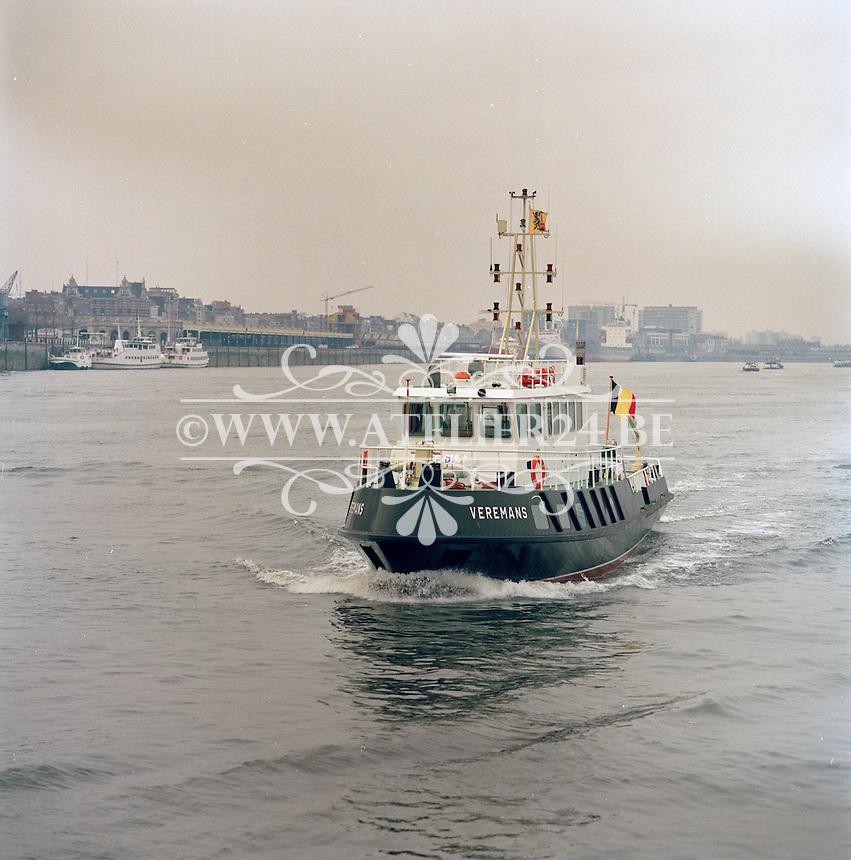 Maart 1991. Boot Veremans op de Schelde in Antwerpen.
