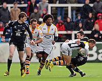 Photo: Richard Lee/Richard Lane Photography. Aviva Premiership. Newcastle Falcons v Wasps. 27/03/2016. Jimmy Gopperth of Wasps (2nd from right) is tackled by Mike Delaney of Newcastle Falcons
