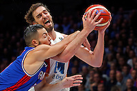 Spain's Pau Gasol (R) vies with France's Joffrey Lauvergne (L) during European championship semi-final basketball match between France and Spain on September 17, 2015 in Lille, France  (credit image & photo: Pedja Milosavljevic / STARSPORT)