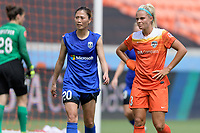 Houston, TX - Saturday May 27, 2017: Rumi Utsugi and Rachel Daly (3) of the Houston Dash wait for a corner kick during a regular season National Women's Soccer League (NWSL) match between the Houston Dash and the Seattle Reign FC at BBVA Compass Stadium.