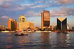 United Arab Emirates, Dubai: View over the Dubai Creek with the National Bank of Dubai building, the Sheraton Dubai Hotel and Dubai
