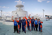 Scott Dixon, Chip Ganassi Racing Honda and crew splash in the Scott Fountain