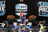 #9: Scott Dixon, Chip Ganassi Racing Honda celebrates in victory lane