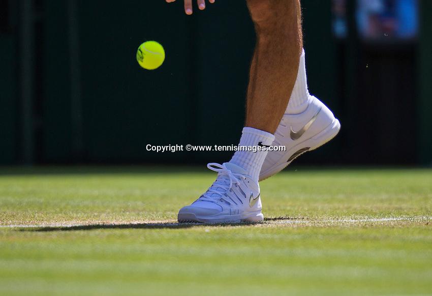 England, London, Juli 04, 2015, Tennis, Wimbledon, Shoes  Federer services<br /> Photo: Tennisimages/Henk Koster
