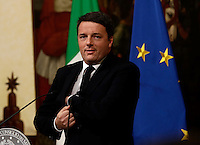 Il presidente del Consiglio Matteo Renzi parla a Palazzo Chigi, Roma, poco dopo la mezzanotte del 5 dicembre 2016. Renzi ha riconosciuto la sconfitta nel referendum costituzionale del 4 dicembre e ha annunciato le proprie dimissioni dopo che gli italiani hanno bocciato la riforma costituzionale.<br /> Italian Premier Matteo Renzi speaks at Chigi Palace in Rome, early 5 December 2016, at the end of the vote on the constitutional referendum. Renzi acknowledged defeat in the referendum and announced he will resign. Italians rejected the constitutional reforms proposed by Renzi.<br /> UPDATE IMAGES PRESS/Riccardo De Luca Il presidente del Consiglio Matteo Renzi parla a Palazzo Chigi, Roma, poco dopo la mezzanotte del 5 dicembre 2016. Renzi ha riconosciuto la sconfitta nel referendum costituzionale del 4 dicembre e ha annunciato le proprie dimissioni dopo che gli italiani hanno bocciato la riforma costituzionale.<br />