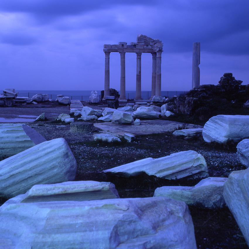 Asia, TUR, Turkey, Side, Apollon Temple in the evening light, Dusk