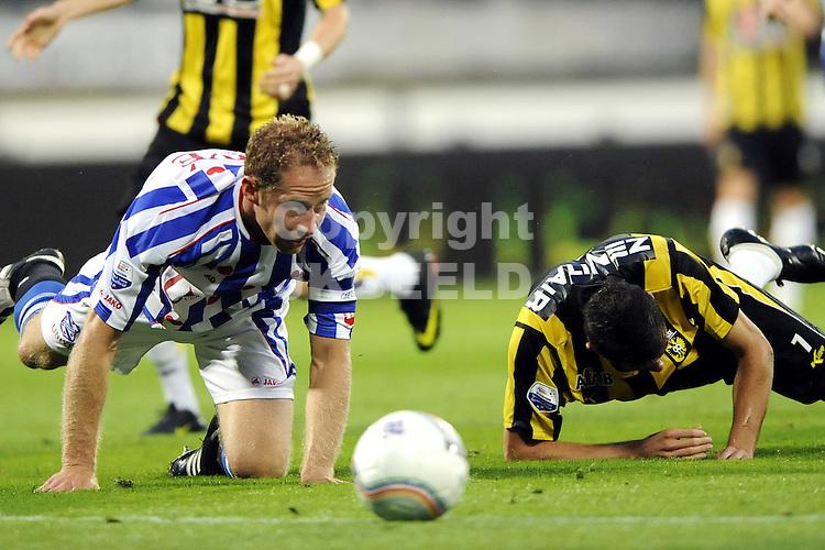 voetbal sc heerenveen - vitesse  seizoen 2009-2010 15-08-2009 michel breuer met claudemir.