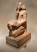 Ushabti. 18 dynasty Egyptian kneeling sculpture of queen Hatshepsut with a cultic vessel, 1475BC Deir el-Bahari . Neues Reiche Museum, Berlin. Cat No AM22883