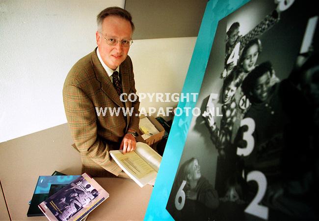 Arnhem,04-11-99  Foto:Koos Groenewold<br />Frank van der Schoot (CITO) over rekenen.