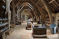 Europe/France/Aquitaine/40/Landes/Mugron: Atelier de  Décoration Rouge Garance situé dans un ancien chai