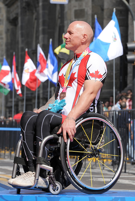 Rico Morneau, Guadalajara 2011 - Para Cycling // Paracyclisme.<br /> Rico Morneau receives his bronze medal // Rico Morneau reçoit sa médaille de bronze. 11/12/2011.