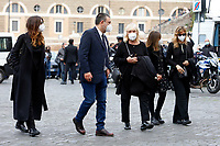 The family of Gigi Proietti (his partner Sagitta Alter and his daughters Susanna and Carlotta) during the funeral of the Italian actor Gigi Proietti. The actor was taken to the Globe Theatre for a short ceremony before the one in the church of Artist in Piazza del popolo.<br /> Rome (Italy), November 5th 2020<br /> Photo Samantha Zucchi Insidefoto