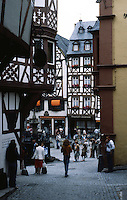 Bernkastel: Platz, from narrow house. Photo '94.