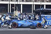 #10: Alex Palou, Chip Ganassi Racing Honda pit stop