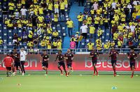 BARRANQUILLA – COLOMBIA, 09-09-2021: Jugadores de Colombia (COL) calientan antes partido entre los seleccionados de Colombia (COL) y Chile (CHI), de la fecha 9 por la clasificatoria a la Copa Mundo FIFA Catar 2022, jugado en el estadio Metropolitano Roberto Melendez en la ciudad de Barranquilla. / Players of Colombia warm up prior a match between the teams of Colombia (COL) and Chile (CHI), of the 9th date for the FIFA World Cup Qatar 2022 Qualifier, played at Metropolitan stadium Roberto Melendez in Barranquilla city. Photo: VizzorImage / Jairo Cassiani / Cont.