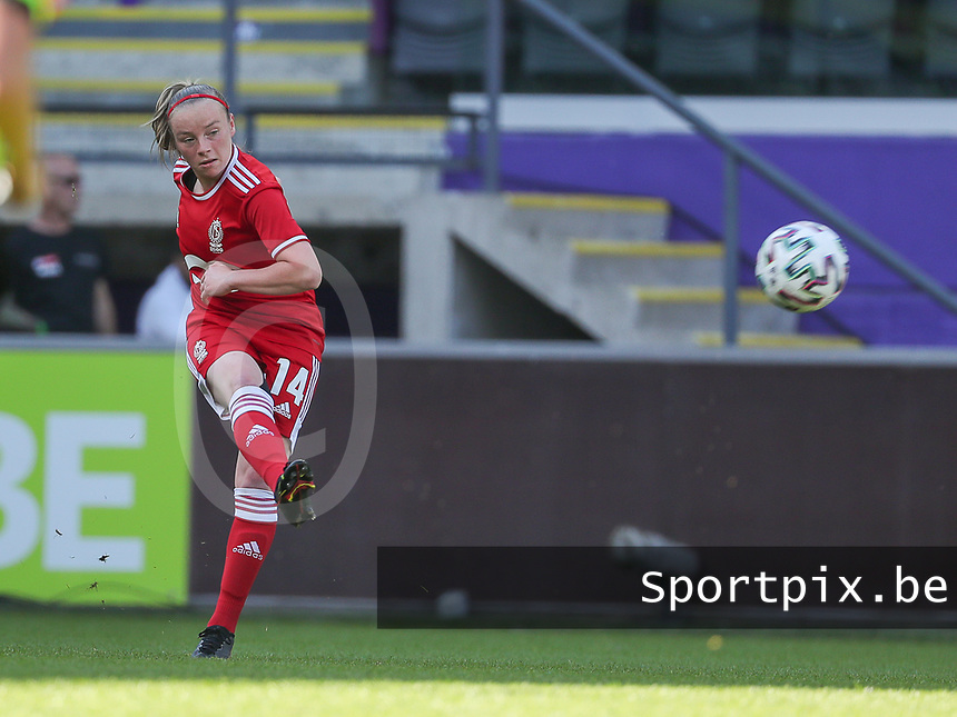 Lotte Jansen (4) of Standard  in action during a female soccer game between RSC Anderlecht Dames and Standard Femina de Liege on the sixth matchday of the 2021 - 2022 season of Belgian Womens Super League , Saturday 9 th of October 2021  in Brussels , Belgium . PHOTO SPORTPIX | SEVIL OKTEM